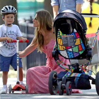 Gisele Bündchen passeia com os filhos e esbanja estilo com Quinny Moodd Romero Britto