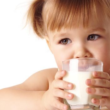 Intolerância à Lactose e Alergia à Proteína do Leite: Quando o Leite é o Vilão